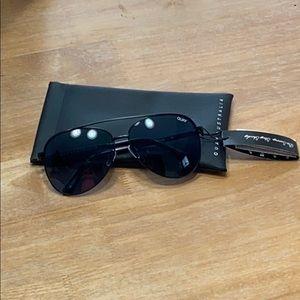 Quay Black Aviator Sunglasses Vivienne